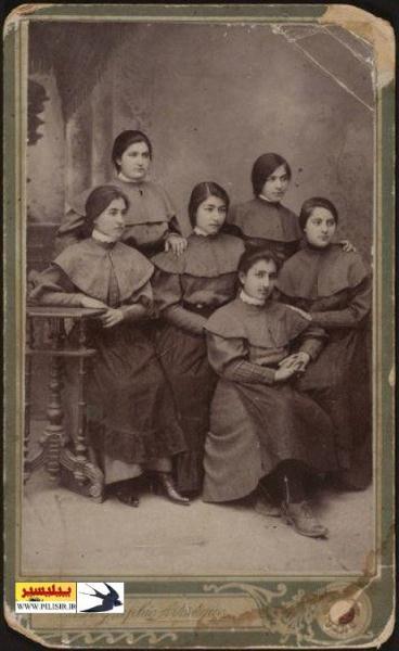 دختران دانش آموز در زمان قاجار (عکس)